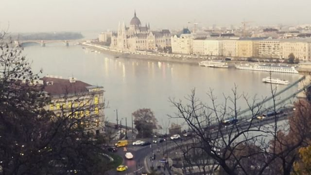 Budapest Sunset over the Danube • • • • #backpacking #adventure #traveler #travel  #mothernature #explore #traveltogether #traveloften #explore #hitchhiking #budapest #budapestsunset #hungary #explorebudapest #explorehungary #timelapse #timelapsevideo #iphonetimelapse #danube